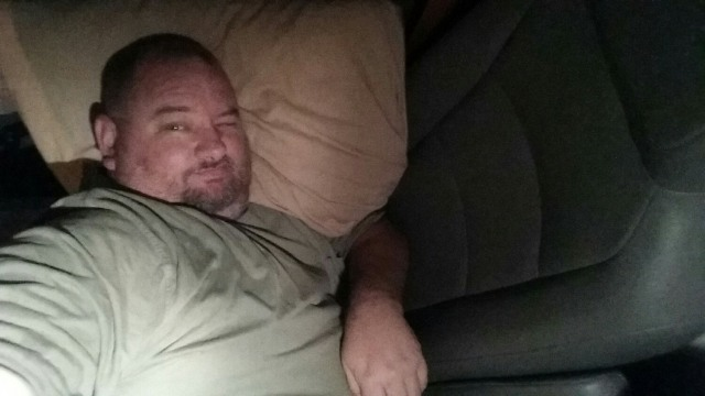 6'2 fat man sleeping in a 4' Budget rental truck. Oh happy, happy, joy, joy! Goodnight.